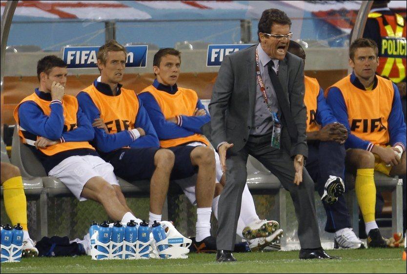 SINNE SJEF: Fabio Capello var ikke fornøyd med sine elever mot Algerie. Nå blir det oppvask. Foto: Reuters
