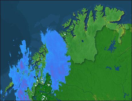 MYE REGN: Kart fra storm.no, basert på rådata fra Meterologisk institutt, viser at det regner kraftig i Troms og Finmark. Kartet er oppdatert 10.15. Foto: Skjermdump: Radarkart fra Storm.no