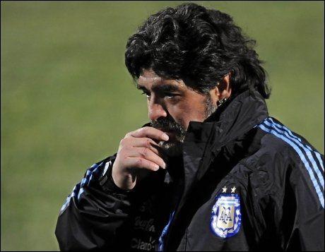 FRYKTET MOTSTANDER: Diego Maradona og Argentina. Foto: AFP