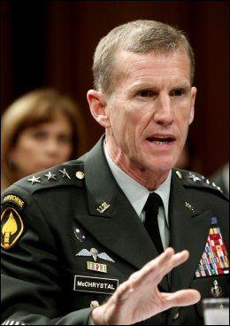 MÅ GÅ: General Stanley McChrystal. Foto: AP