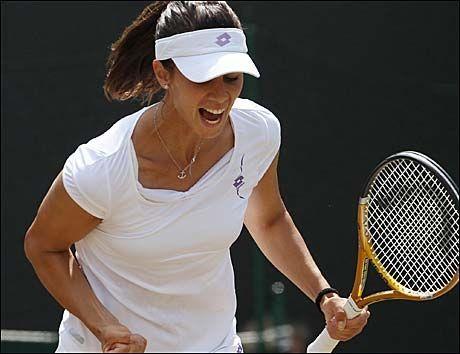 SØRGET FOR KJEMPESKRELL: Tsvetana Pironkova hadde mye å juble for etter å ha slått selveste Venus Williams i Wimbledon. Foto: AP