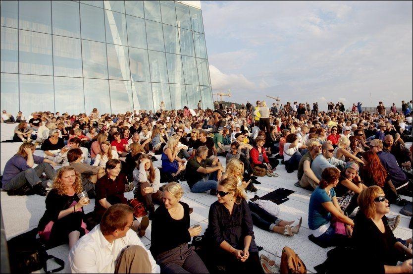 STAPPFULT: Da Oslo Jazz Festival åpnet med «Antony and the Johnsons» sammen med Operaorkesteret møtte 8500 mennesker opp i Bjørvika. Foto: Knut Erik Knudsen