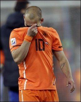 TUNGT: Wesley Sneijder. Foto: AFP