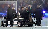 Mandela hyllet i Soccer City