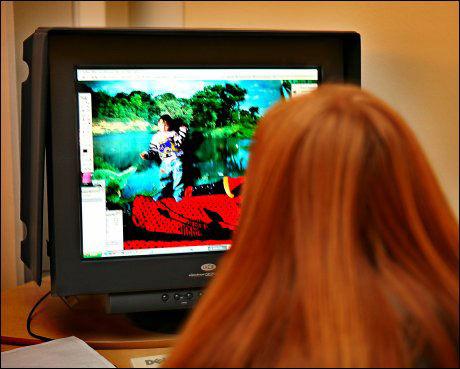 BLOGGER: Stadig flere foreldre oppretter blogger hvor de legger ut informasjon om seg selv og barna sine. Illustrasjonsfoto: Nils Bjåland