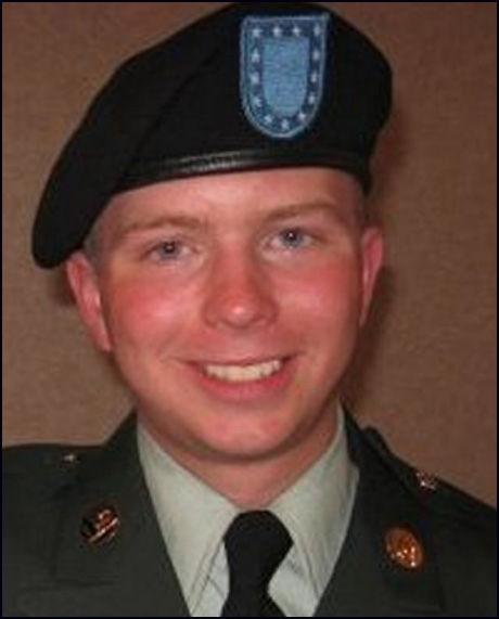 FENGSLET: Den tidligere amerikanske Irak-soldaten Bradley Manning (22) er allerede siktet for å ha lekket hemmeligstemplet informasjon til Wikileaks. Nå frykter Pentagon at han også står bak lekkasjen av krigsdokumentene fra Afghanistan. Foto: AP