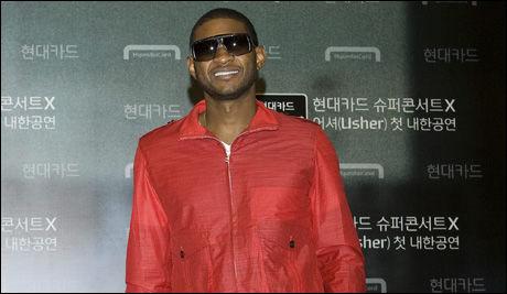 HAR SKJØNT DET: Menn kledd i rødt har i større grad draget på damene, ifølge en ny undersøkelse. Her artisten Usher. Foto: Camera Press