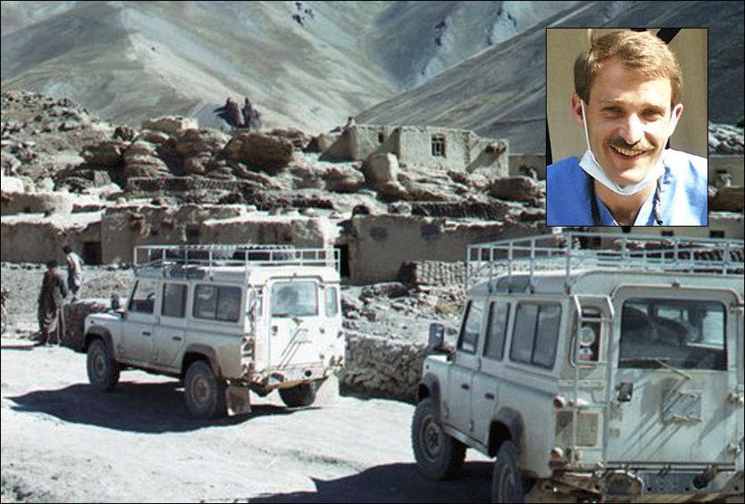 DREPT: Tannlegen Thomas Grams (51) og sju andre helsearbeidere ble funnet drept nordøst i Afghanistan. Bildet viser to Land Rover-biler fra International Assistance Mission (IAM) på oppdrag. Foto: AP