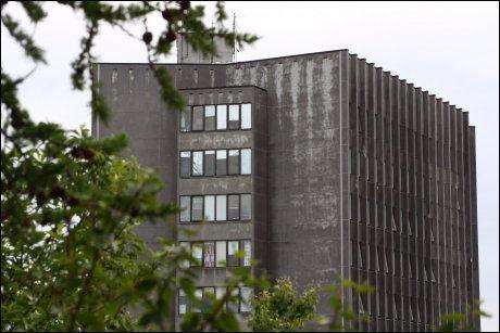 GRANSKES: Nordlandssykehuset granskes av Helsetilsynet for å ha utført 12 operasjoner i strid med funksjonsfordelingene i 2009. Foto: Tommy Andreassen