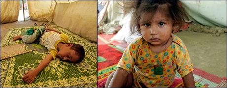 Den unge gutten og den lille jenta venter utmattede på hjelp under hver sin teltduk i ulike byer i Pakistan. Flere millioner flomofre har fortsatt ikke mottatt nødhjelp, bekrefter FN. De to barna befinner seg i teltleire i henholdsvis Nowshera og Mardan. Foto: AP