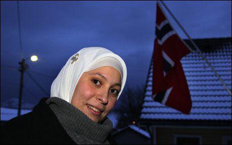HIJAB: Keltoum Missoum ønsket å bli politi med hodeplagg. Foto: Arkivfoto: Håkon Vold