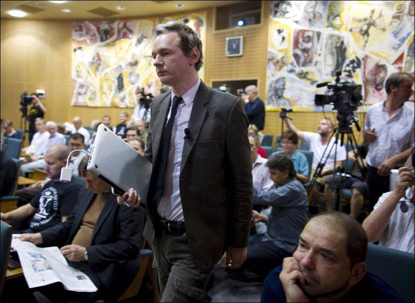 OMSTRIDT: Forrige lørdag holdt journalisten Julian Assange foredrag i LOs hovedkvarter i Stockholm. Foto: AP