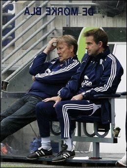 SKUFFET: Åge Hareide og Svein Fjælberg likte ikke alt de så på Viking Stadion. Foto: Scanpix