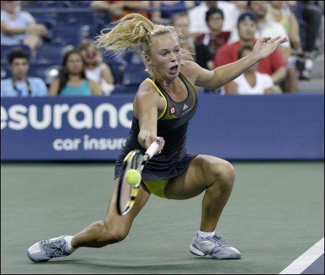VIDERE: Caroline Wozniacki tok seg enkelt videre i US Open. Foto: AP
