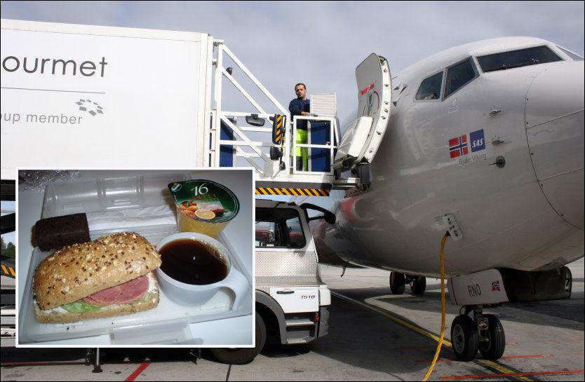 SKINKESTOPP?: En bil fra Gate Gourmet leverer mat til et SAS-fly på Gardermoen. Nå kan det bli slutt på skinkesandwichene (innfelt). Foto: ØYVIND ENGAN/JAN OVIND