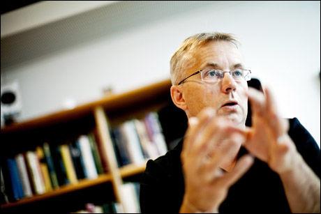 FORTSETTER INNSTRAMMINGER: Justisminister Knut Storberget er glad for det synkende antallet asylsøkere som kommer til Norge. Foto: Sara Johannessen