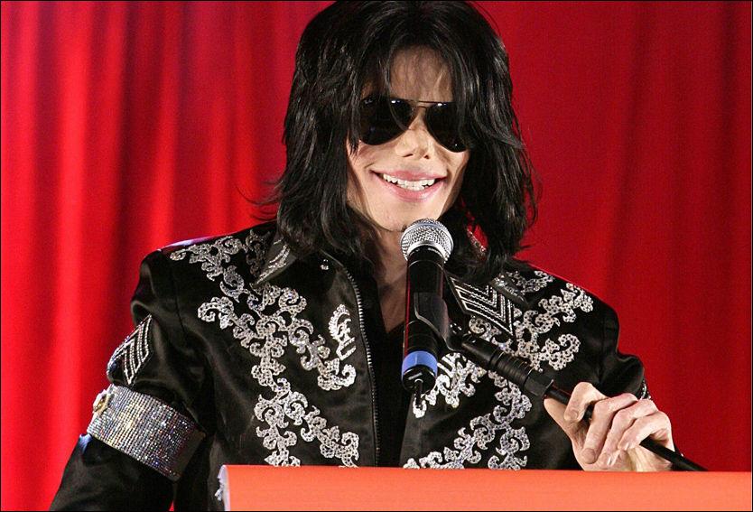 - PRESSET: Michael Jackson under pressekonferansen hvor han annonserte sin siste turné, i mars 2009. På dette tidspunktet ble han presset knallhardt av konsertarrangøren, ifølge familien. Foto: PA Photos.