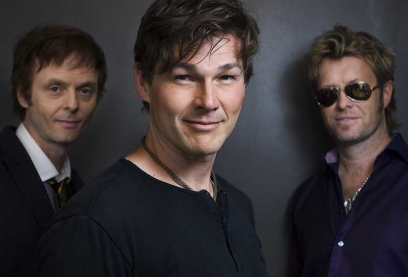 GAVMILDE: Paul Waaktaar-Savoy, Morten Harket og Magne Furuholmen i a-ha. Foto: Scanpix