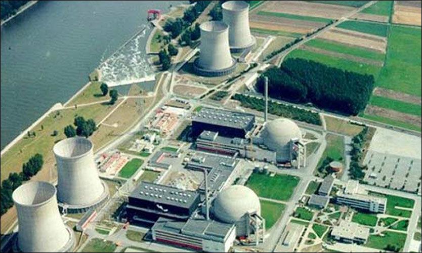 IRAN: Atomreaktoren i Bushehr er et utsatt mål. Nå kan den ha bli angrepet fra innsiden. (Foto: Globalsecurity.org)