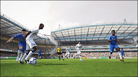 FOTBALLKRIG: «FIFA 11» sparker igang den årlige fotballkrigen på spillfronten denne uken. Foto: EA SPORTS