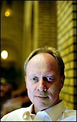 SKJERPE RUTINENE: Jan Arild Ellingsen (Frp) tror det er vanskelig å hindre at soldater har holdninger lik de som kommer frem i VG i mandag. Foto: Gøran Bohlin