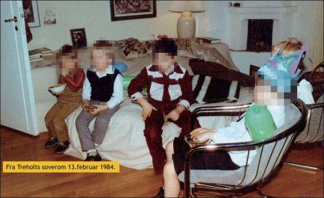 SELSKAP: Her er det barnebursdag for sønnen til Arne Treholt i familiens leilighet som ble overvåket. Bildet er tatt en måned etter pågripelsen. Foto: Privat