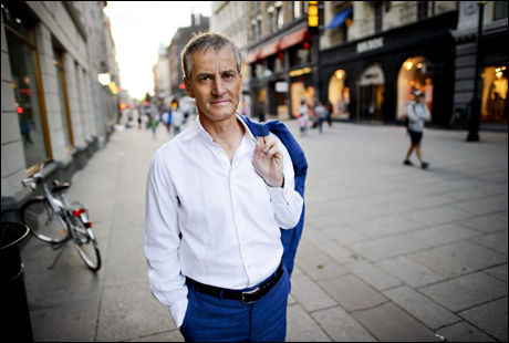 MÅ PRIORITERE: Utenriksminister Jonas Gahr Støre (Ap) forsvarer kutt i statsbudsjettet. Foto: Kristian Helgesen