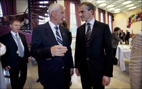 ADVARTE: Utenriksminister Jonas Gahr Støre advarte Nobelkomiteens leder Thorbjørn Jagland om konsekvensene ved å gi fredsprisen til en kinesisk opposisjonell. Her er de to sammen i Strasbourg i 2009. Foto: Andrea Gjestvang, VG