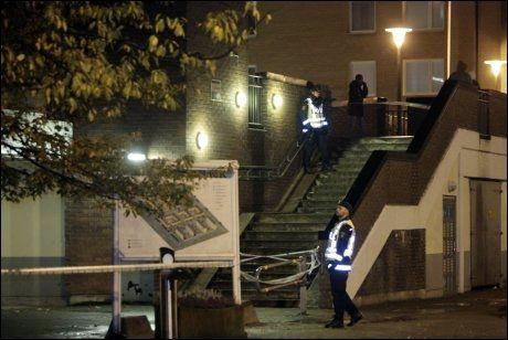 - MÅ HOLDE SEG INNE: Mørkhudede personer i Malmö får beskjed om å holde seg innendørs nattestid, mens politiet leter etter skuddmannen. Foto: Scanpix
