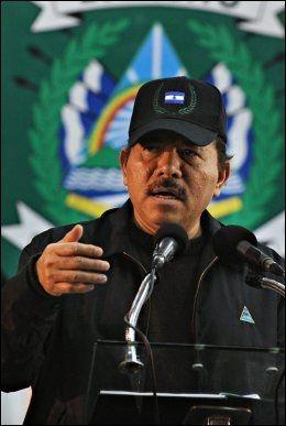 KRAV: Amnesty International krever at Nicaragua-president Daniel Ortega avskaffer den strenge abortloven. Foto: AFP