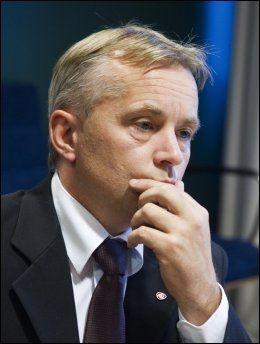 - VISSTE IKKE: Justisminister Knut Storberget sier til VG Nett at han ikke visste at tidligere PST-ansatte skal ha drevet overvåkingsaktivitet for USA. Foto: Scanpix