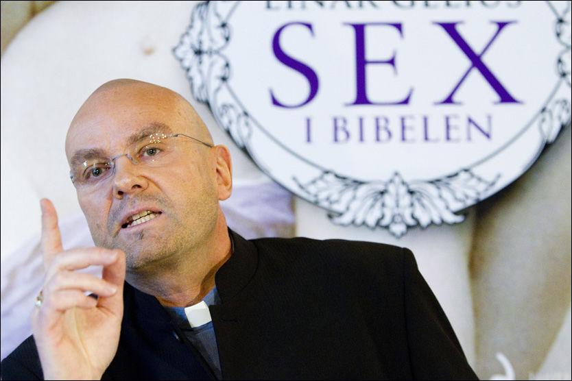 KAN MISTE JOBBEN: Einar Gelius har høstet både kritikk og støtteerklæringer etter at han ga ut boken «Sex i Bibelen». Nå risikerer han å miste jobben. Foto: Scanpix