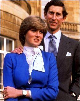 FORLOVELSEN: Prins Charles og Diana da de kunngjorde forlovelsen for 30 år siden. Diana har ringen på fingeren. Foto: Pa Photos