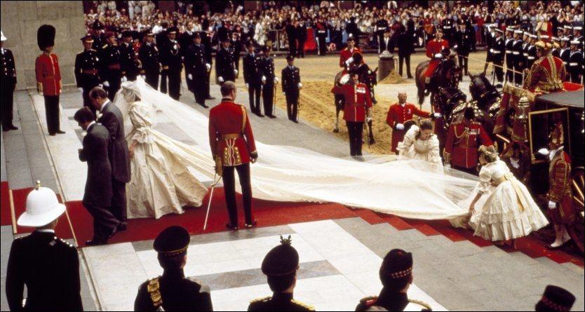 DRØMMEBRYLLUP: Bryllupet til Charles og Diana var av det overdådige slaget. Blir Prins Williams bryllup like stort? Foto: Camera Press.