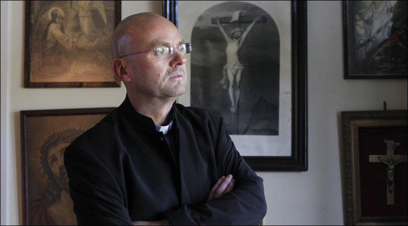 OMSTRIDT: Sogneprest i Vålerenga kirke, Einar Gelius, må vente på å få sin fremtid som prest avgjort inntil avskjedssaken mot ham kommer opp i slutten av november. Foto: Berit Roald/Scanpix