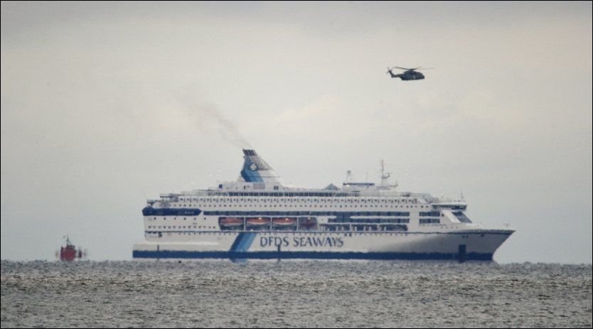 I BRANN: «Pearl of Scandinavia» går for egen maskin inn mot København. Foto: SCANPIX