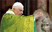 Paven godtar kondom - i visse tilfeller