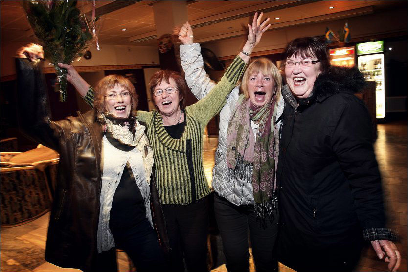FEIRER: Ingegerd Eriksson (60), Gerd Sundström, (64), Monica Gustavsson (62) og Lillemor Montin (65) er glade vinnere. Foto: Henrik Hansson