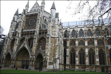 HER SKAL DE SMIS: Westminster Abbey i London. Foto: Dag Fonbæk, VG