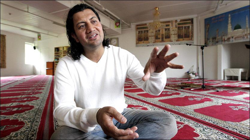 GENERALSEKRETÆR: Mehtab Afsar (38) har tidligere stått fram i VG og fortalt om truende sjikane. Nå inntar han en lederstilling i Islamsk råd. Foto: Trond Solberg