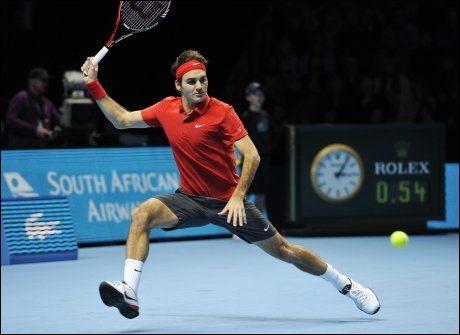 NY SEIER: Roger Federer har for vane å slå svenske Robin Söderling, og gjorde det igjen i ATP-finalene i London. Foto: AFP