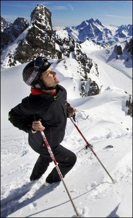 ALPEPARADIS: En storfornøyd Frode Olav Smith nyter sol, snø og strålende skiforhold i St. Anton. Foto: FRODE HANSEN