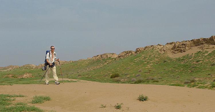 LANGTUR: Som førstemann i verden har norske Robert Løken gått 6000 kilometer langs den kinesiske mur. Foto: Privat