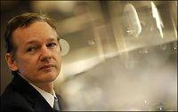 Assanges mor ber for sønnen
