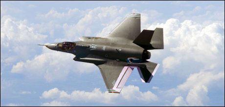 STRIDENS KJERNE: Kjøpet av F-35 har blitt spådd å bli en dyr affære for Norge. Nå kan det også bli et politisk etterspill med Norge og Sverige i hovedrollene. Foto: Scanpix.
