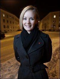 Inger Lise Hansen vurderer å ta opp kampen