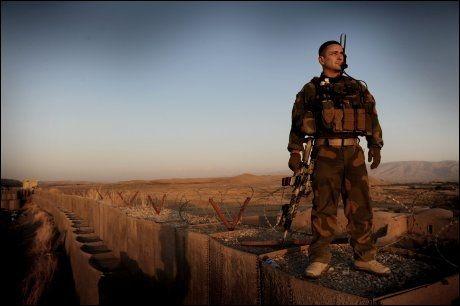 FÅR SKRYT: Som leder av rådgivningsstyrken OMLT 4 i Afghanistan har oberstløytnant Tore Halvorsen gjort seg fortjent til utmerkelsen Krigskorset med sverd, mener ledelsen i styrken. Foto: Harald Henden