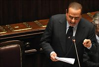 Berlusconi trygler for sin fremtid