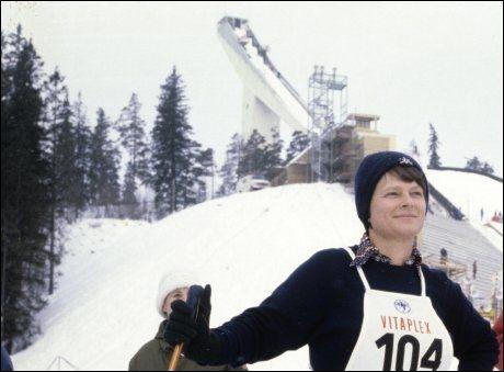 LANDSMODEREN: Gro Harlem Brundtlands legendariske «Det er typisk norsk å være god» fra nyttårstalen i 1992 mener ambassadøren er en god oppsummering av den norske selvgodheten. Bildet er fra Holmenkollen i 1980. Foto: Ivar Aaserud