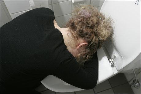 ØKNING: De siste ukene har Folkehelseinstituttet fått stadig flere meldinger om folk som har blitt rammet av det såkalte noroviruset. Foto: ILLUSTRASJONSFOTO: Scanpix